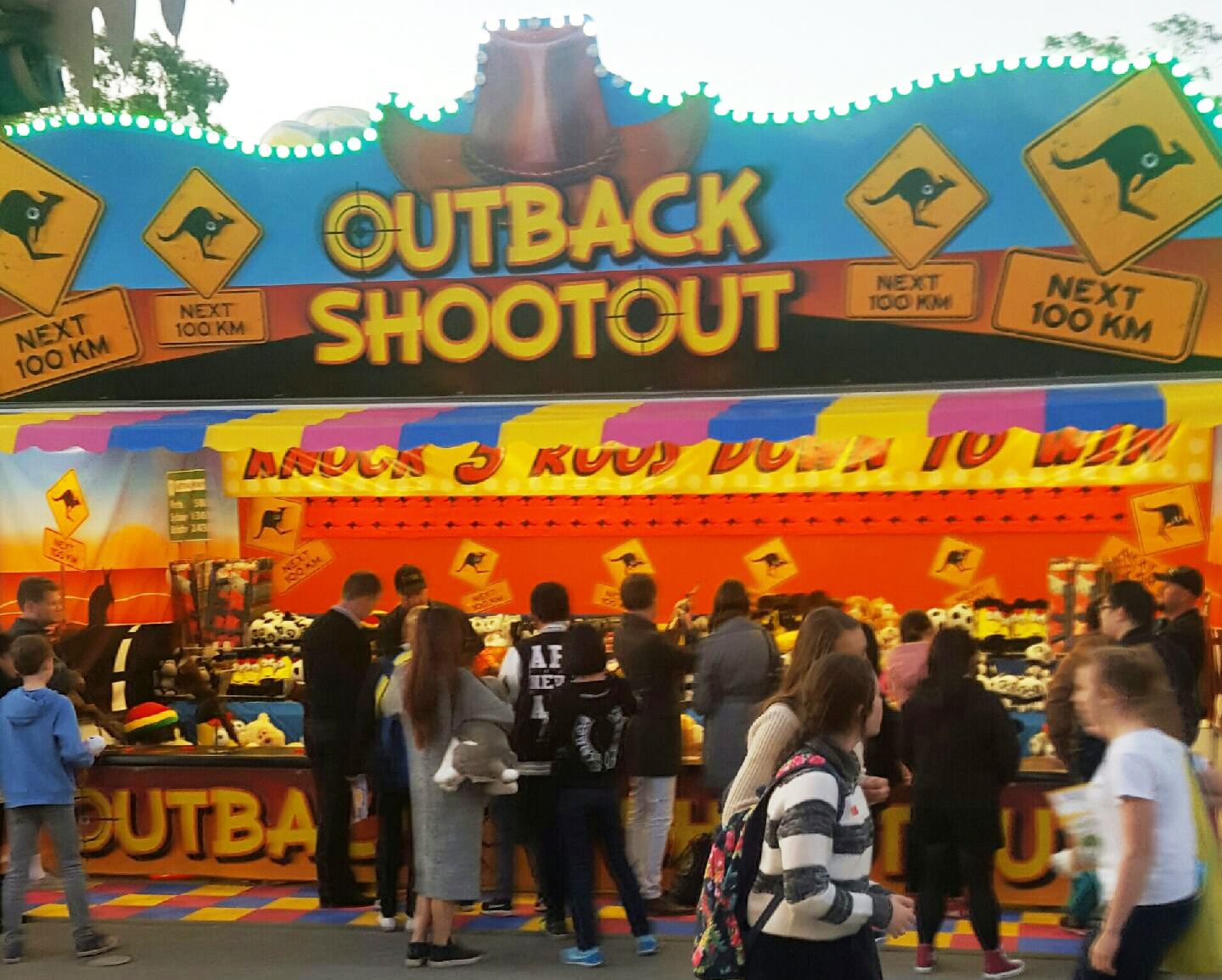 Shooting gallery with outback theme